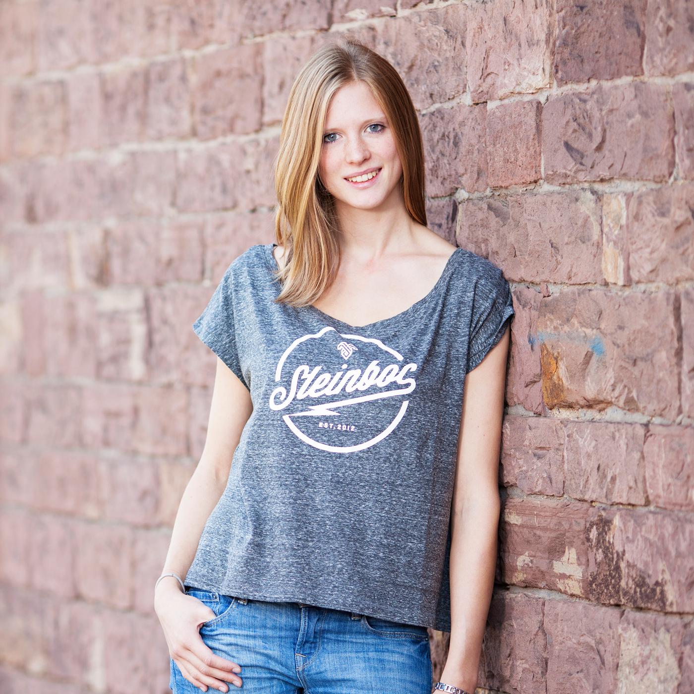 steinboc-shirt_frauen_grau_hp_quadrat